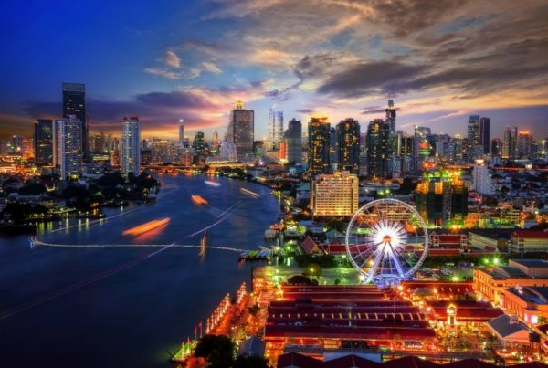 International events are getting a helping hand from the Thailand Convention and Exhibition Bureau and MICE suppliers. Image of Bangkok cityscape at dusk by thitivong | Canva.