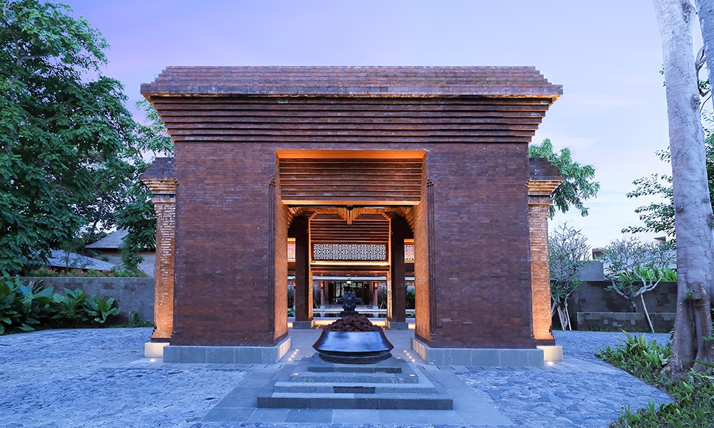 Andaz Bali is now open. Photo here shows the entrance to the property. Image courtesy of Hyatt.