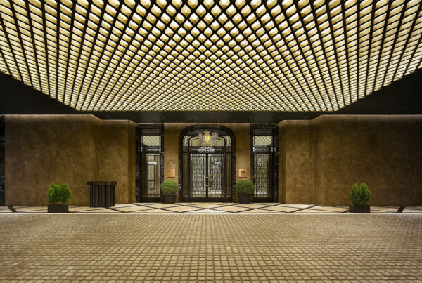 The Luxury Collection entered the South Korean market with the opening of Josun Palace, A Luxury Collection Hotel, Seoul Gangham. Image here shows the entry to the property. Photo courtesy of Marriott.
